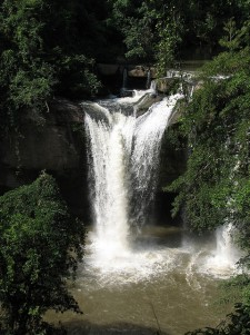 Haew Suwat Waterfall, Khao Yai National Park. Source: Flickr.