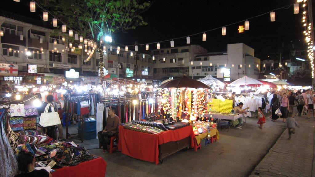 Kalare Night Bazaar - Chiang Mai, Thailand. Flickr, AG Gilmore