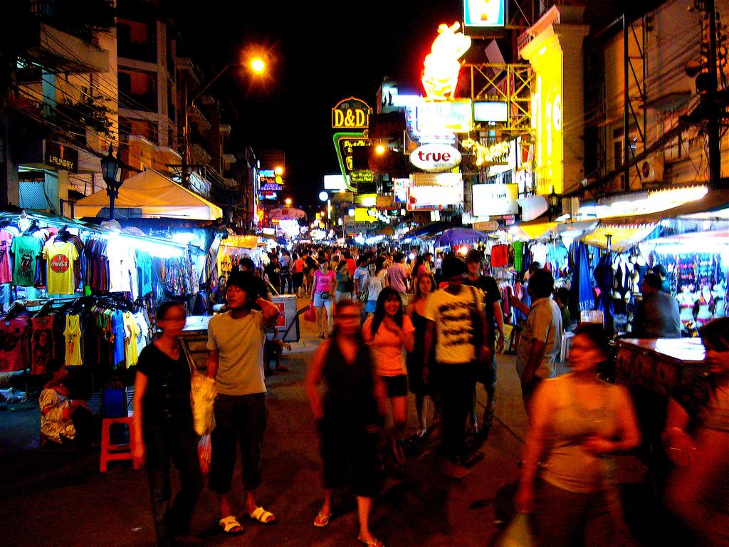 Khaosan Road, Bangkok. Flickr, Brandon Fick