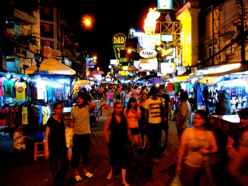 Khaosan Road, Bangkok. Flickr, Brandon Fick