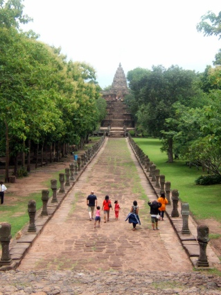 Visitors entering Phanom Rung historical park. Source:Flickr, Tim Parkinson.