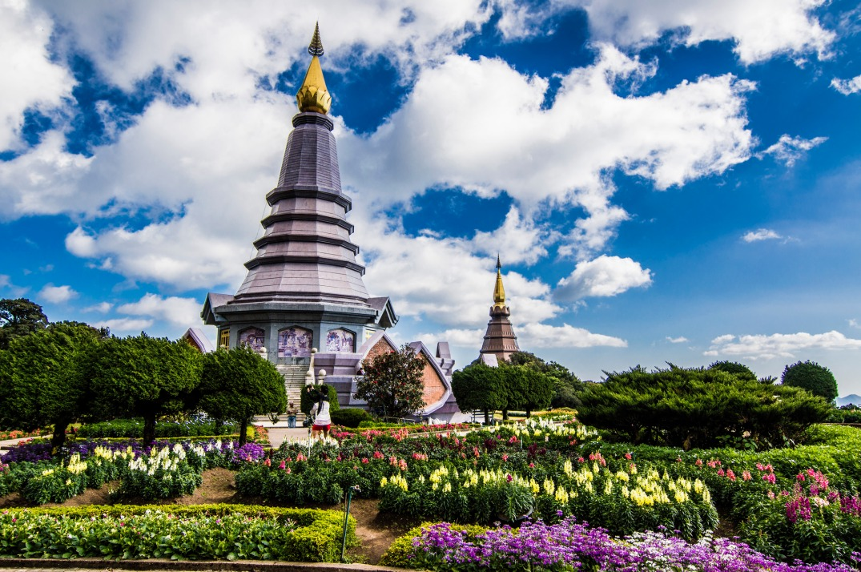 Phra Mahathat Naphaphonphumisiri & Phra Mahathat Naphamethanidon Source, Flickr, Fedejve