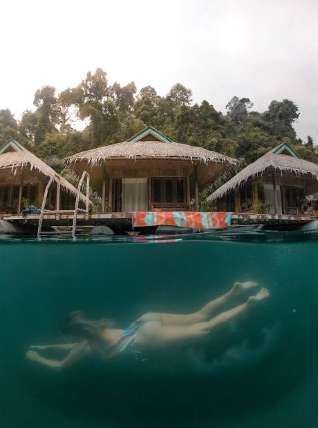Khao-Sok-National-Park-tour-Praiwan-raft-house