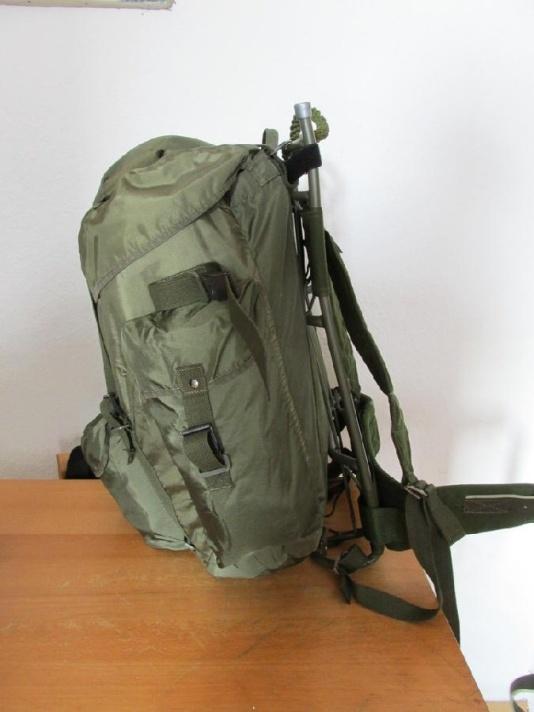 Austrian army backpack on LK35 frame 01