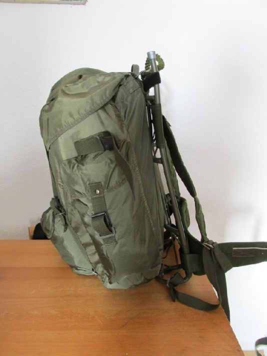 Austrian army backpack on LK35 frame 01
