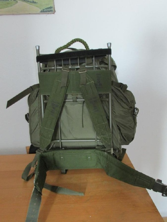 Austrian army backpack on LK35 frame 02