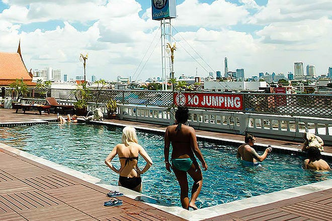 D-and-D Rooftop SwimmingPool Khaosan Road Bangkok
