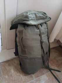 French F2 backpack 01