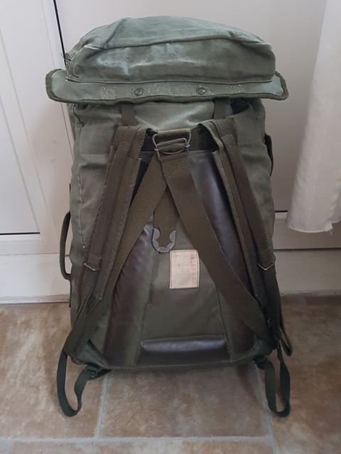 French F2 backpack 03