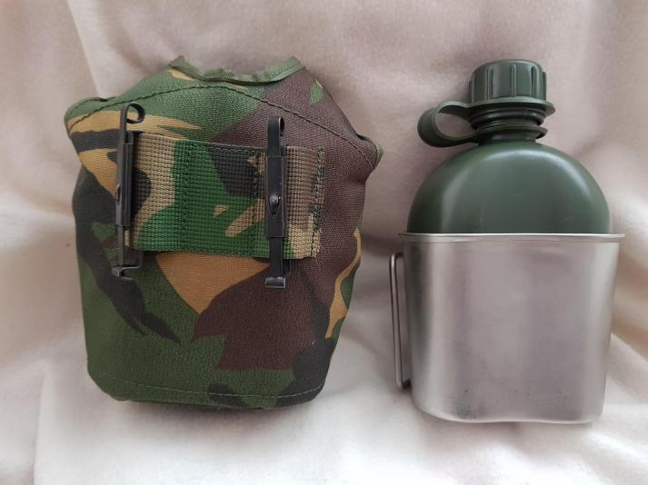 Dutch Army Canteen cup + water bottle 05.